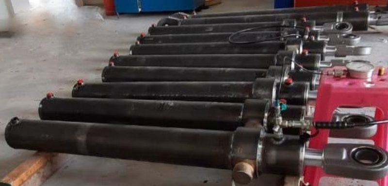 Brand new hydraulic cylinders in Dubai with our Partner SCV Engineering L.L.C.
